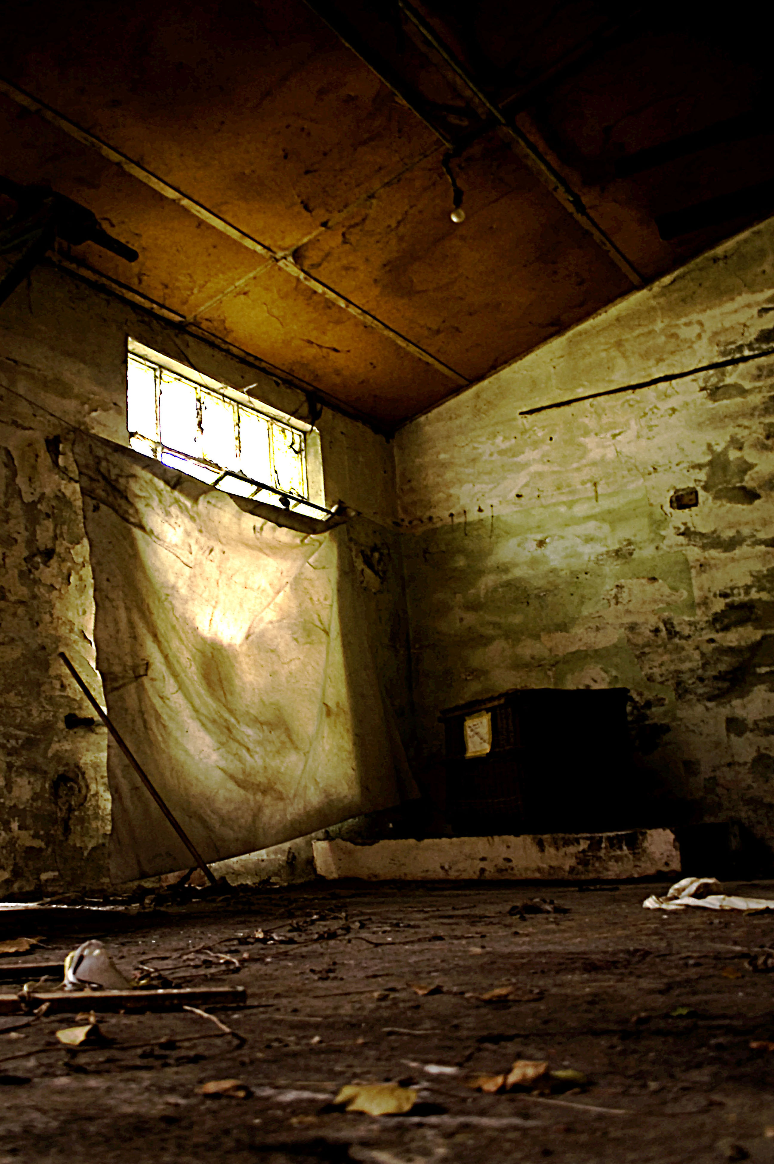ceiling, indoors, abandoned, no people, low angle view, illuminated, day