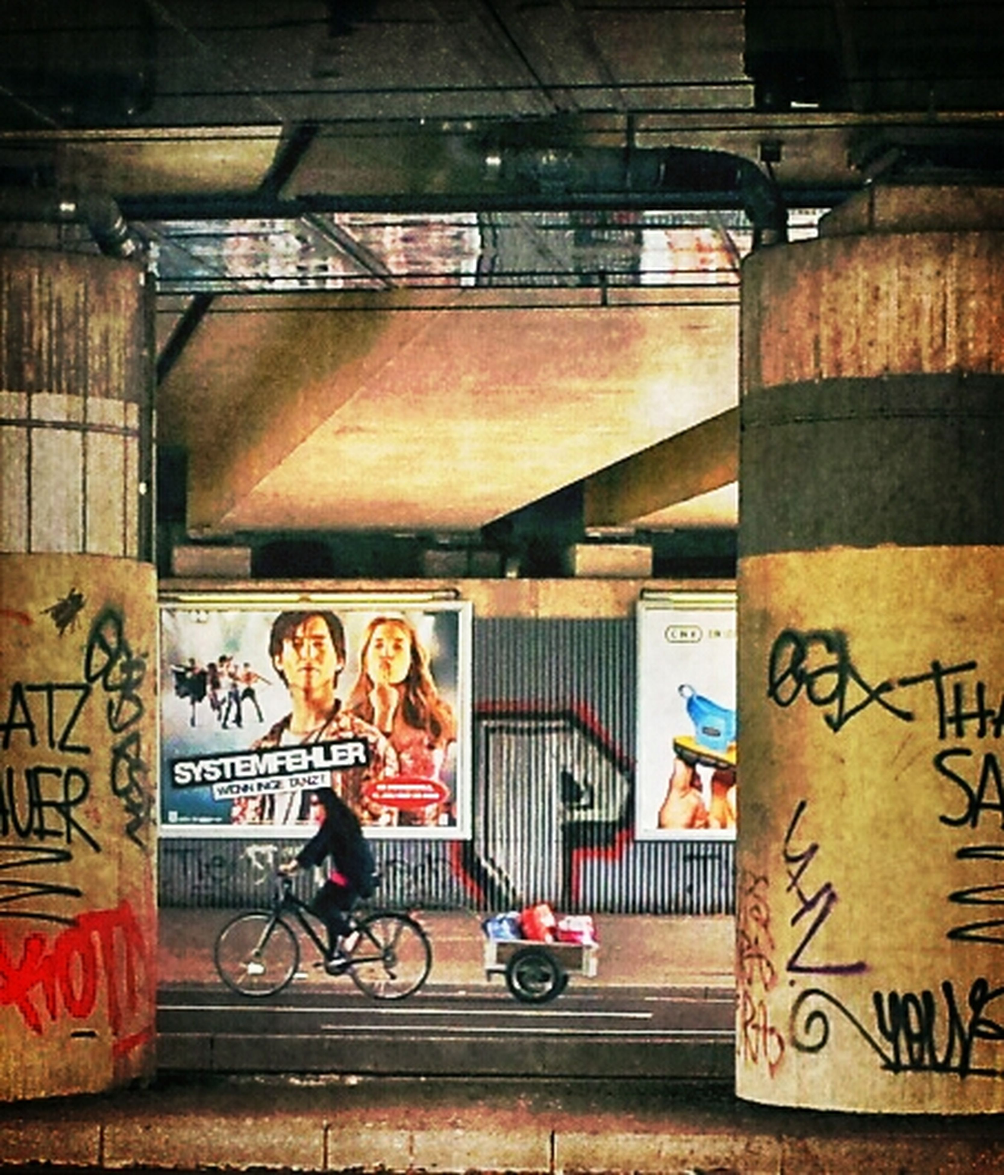 graffiti, art, art and craft, architecture, creativity, built structure, text, human representation, wall - building feature, building exterior, western script, communication, indoors, non-western script, street art, building, wall, no people, day