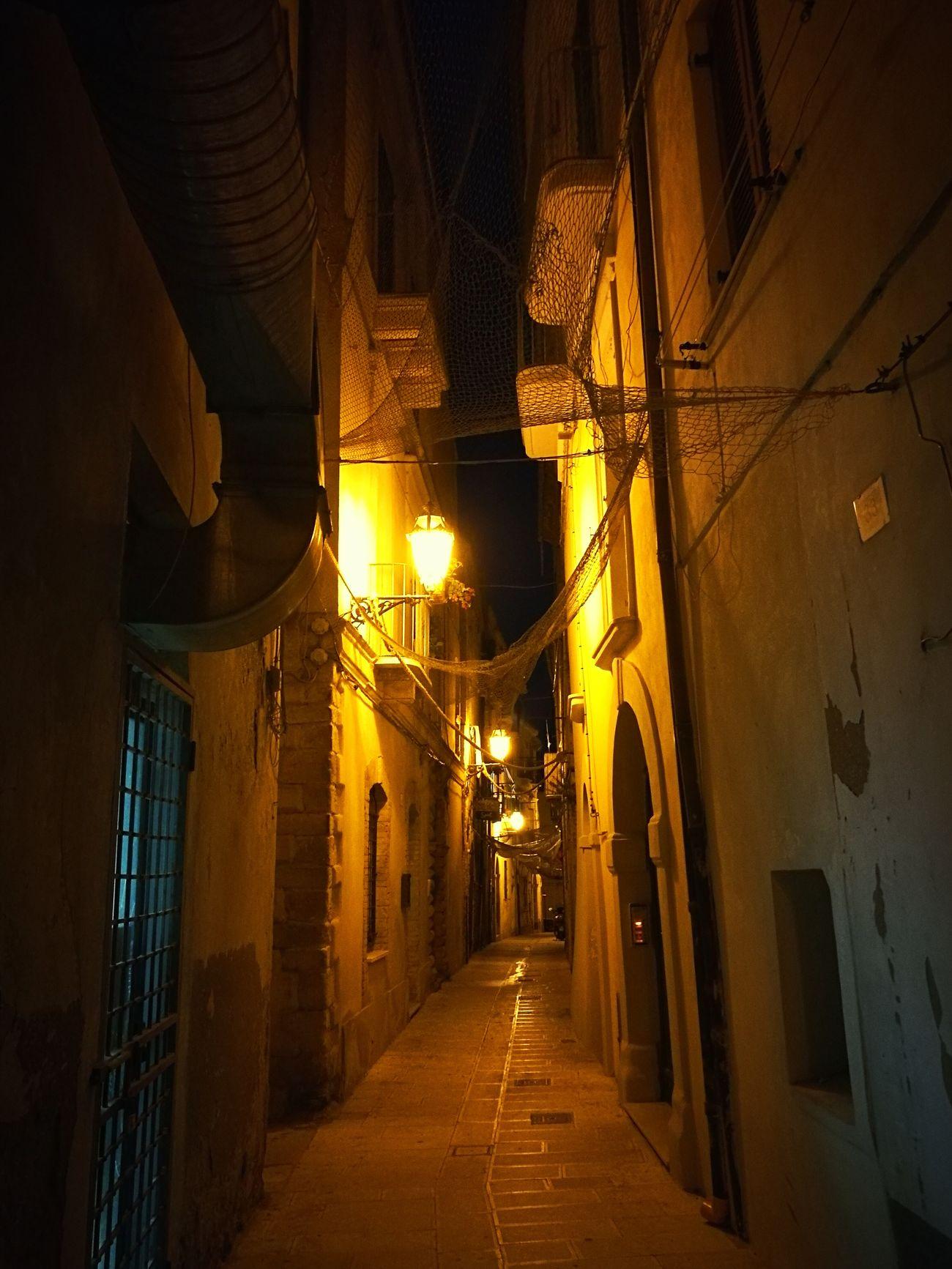 vicolo di Terravecchia - Ortona Paesaggi_ditalia Abruzzo, Italia Notturni Città Di Mare Italian Place Italy