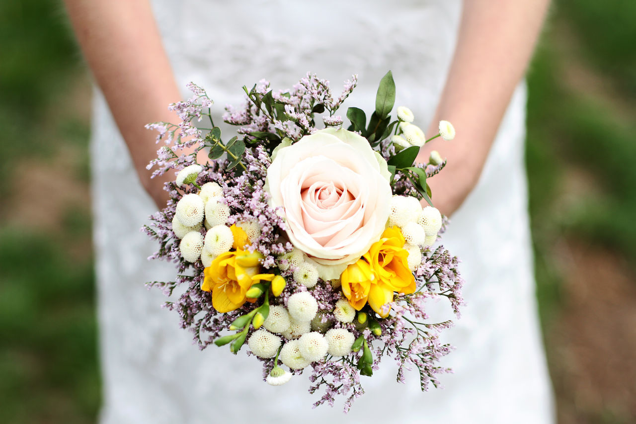 Beauty Bouquet Bride Flower Happiness Holding Nature Outdoors Roses Smiling Wedding Women