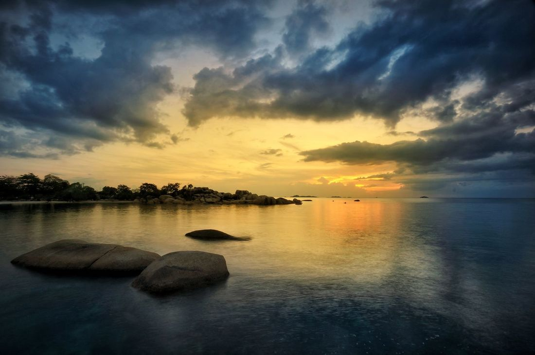Sunsets at Belitong Sunset Water Cloud - Sky Reflection Nature Landscape Beauty In Nature Horizon Over Water INDONESIA Traveladdict Natgeoindonesia EyeEmNewHere Traveling Photography Nature Photography Nature_ Collection  Landscape_Collection Sunsetandsky Sunsets_captures Sunsetlovers Landscape Seascape Longexposurephoto Traveling Travel Photography Splendid_shots