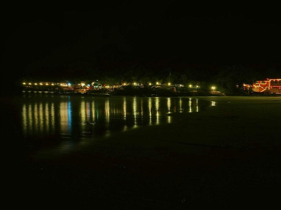 Gentle night light on the beach Night Illuminated Reflection Nature Nightlights Nightphotography Night View Nightshot Night Photography Nightview Nightatthebeach Beachatnight