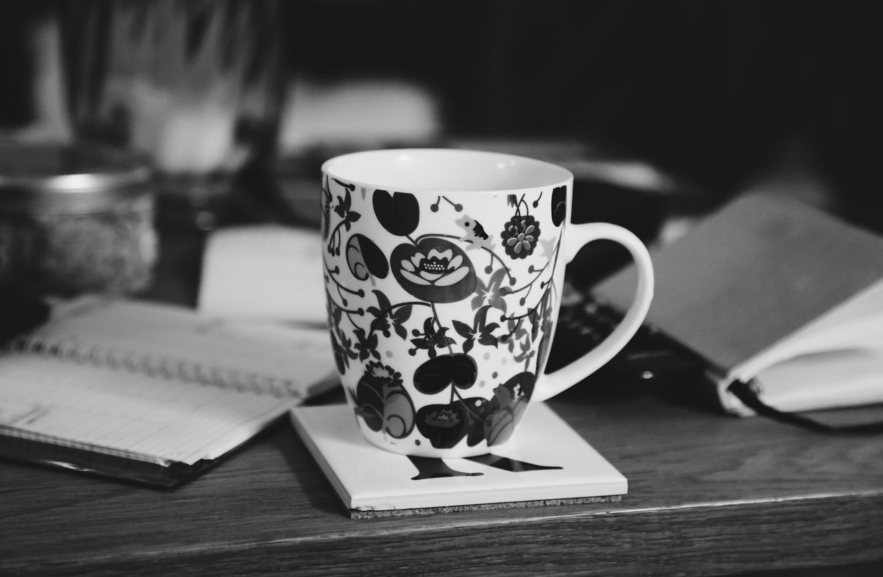 Coffee Cup Coffee - Drink Drink Cup Food And Drink Refreshment Focus On Foreground Indoors  Table Close-up No People Freshness Day Indoors  Home Sweet Home Home Interior Paperwork Desk Pen