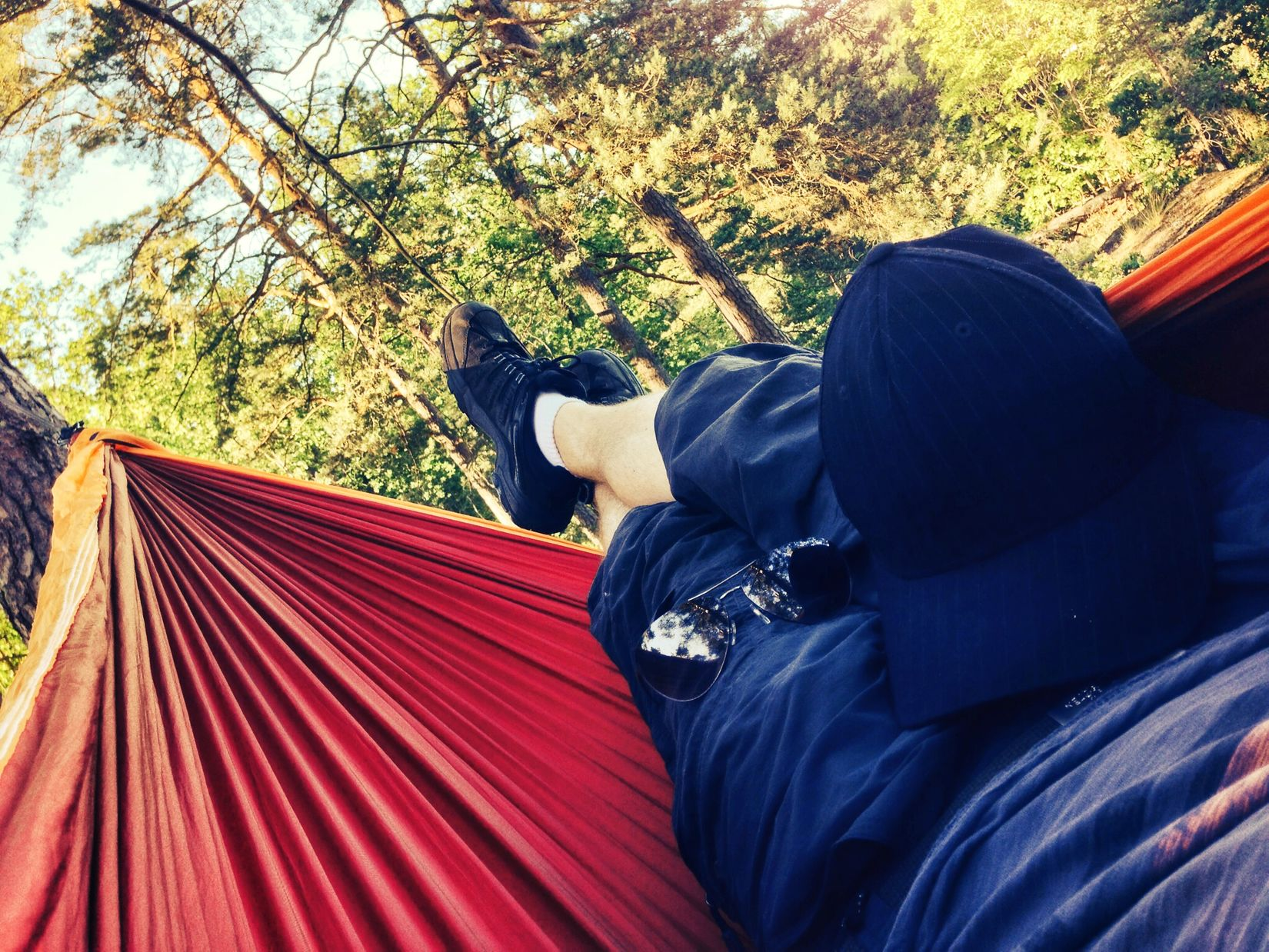 Yepp, it's that kind of day. 27°C and clear blue sky. Perfect opportunity to go hammocking in the woods for a couple of hours. ? Hanging Out Ticket To The Moon Hammock Eyeem Natur Lover