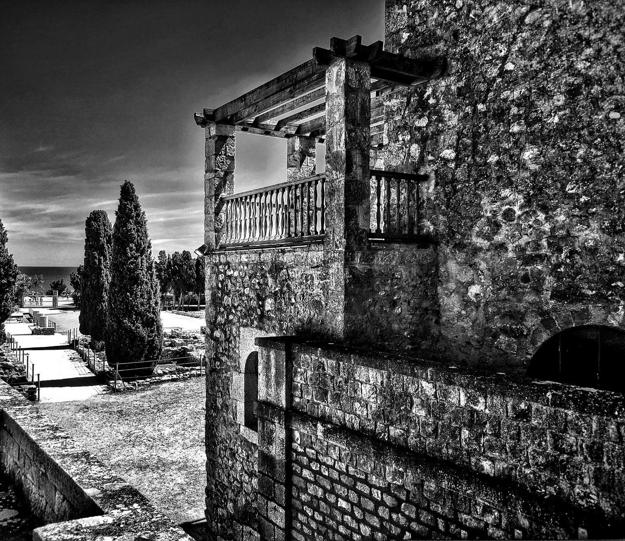 Civilización Griega y Romana Ruined Ruins Civilization Black And White Collection  Black And White Photography Black & White Blackandwhite Architecture Architecture_collection Architectural Detail Architectural Feature HDR Hdr_Collection Monochrome Photography