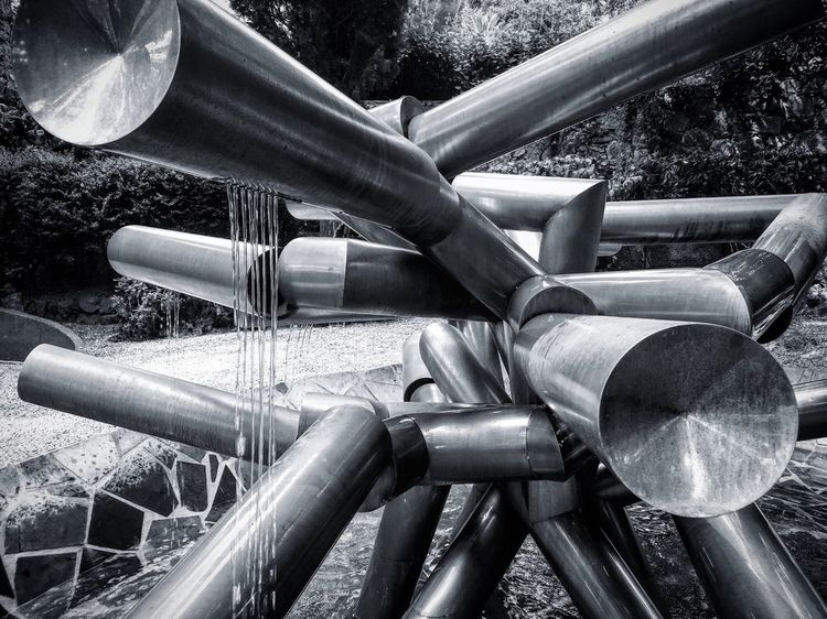 Group Of Objects Large Group Of Objects Outdoors Man Made Object No People Bnw Bnw Photography Steel Steetphotography Dark Fountains Fountain Modern Modern Architecture Modern Art Family Love Art Paris