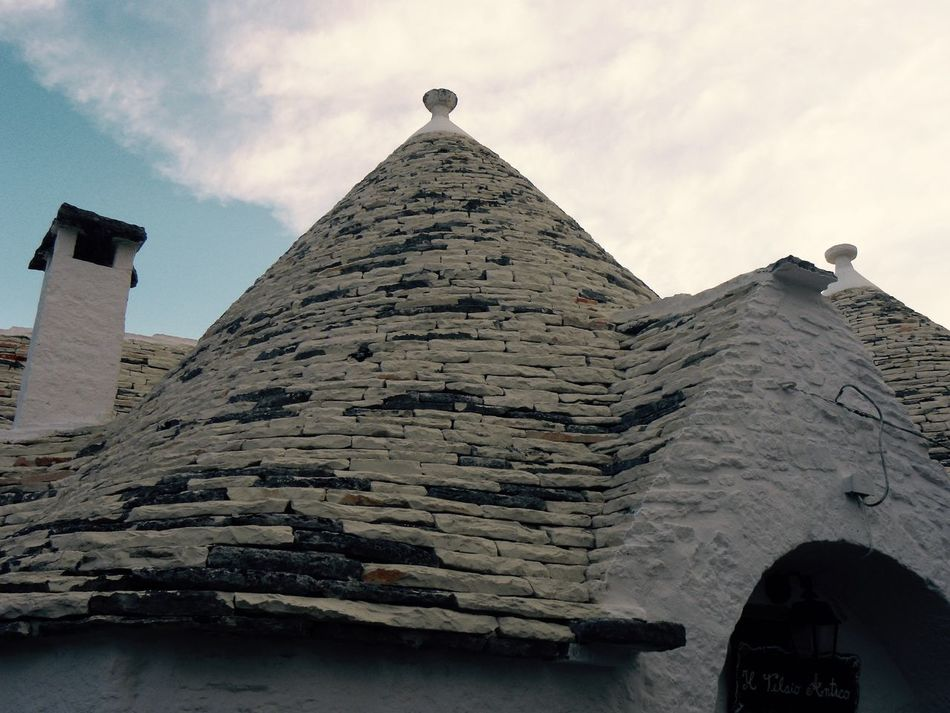 Alberobello Alberobello - Puglia Alberobello City Alberobellocity Alberobelloexperience Alberobellophotocontest Architecture Building Exterior Built Structure Day Outdoors Break The Mold Art Is Everywhere TCPM EyeEmNewHere