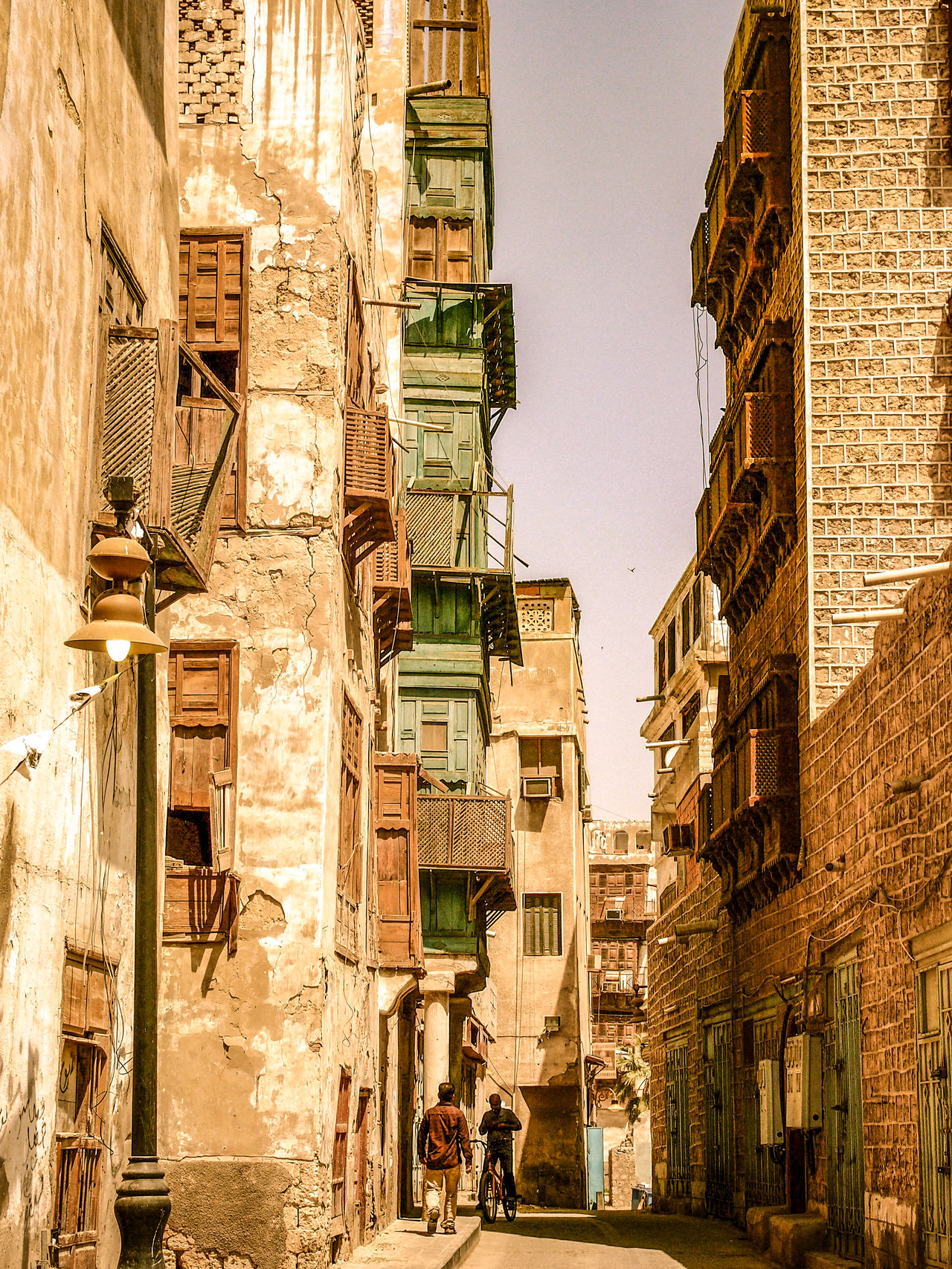 Arabic Arabic Architecture Arabic Style Architecture Balad Building Exterior City City Street Cityscape Cityscapes EyeEm City Shots Historical Building Jeddah Jeddah City Old But Awesome Old Jeddah Old Town Ruins Saudi Arabia Simple Beauty Street Photography Streetphotography Urban Exploration Urban Landscape