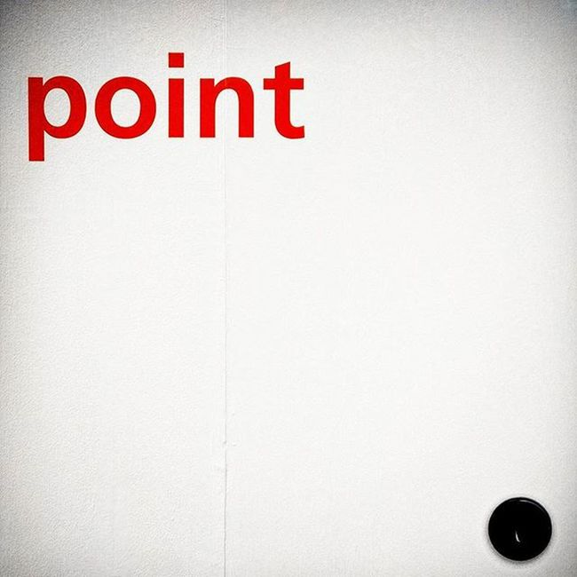 This is a point Point Dot Red Fieramilano Salonedelmobile Isaloni Minimal Instadaily Circle Dot