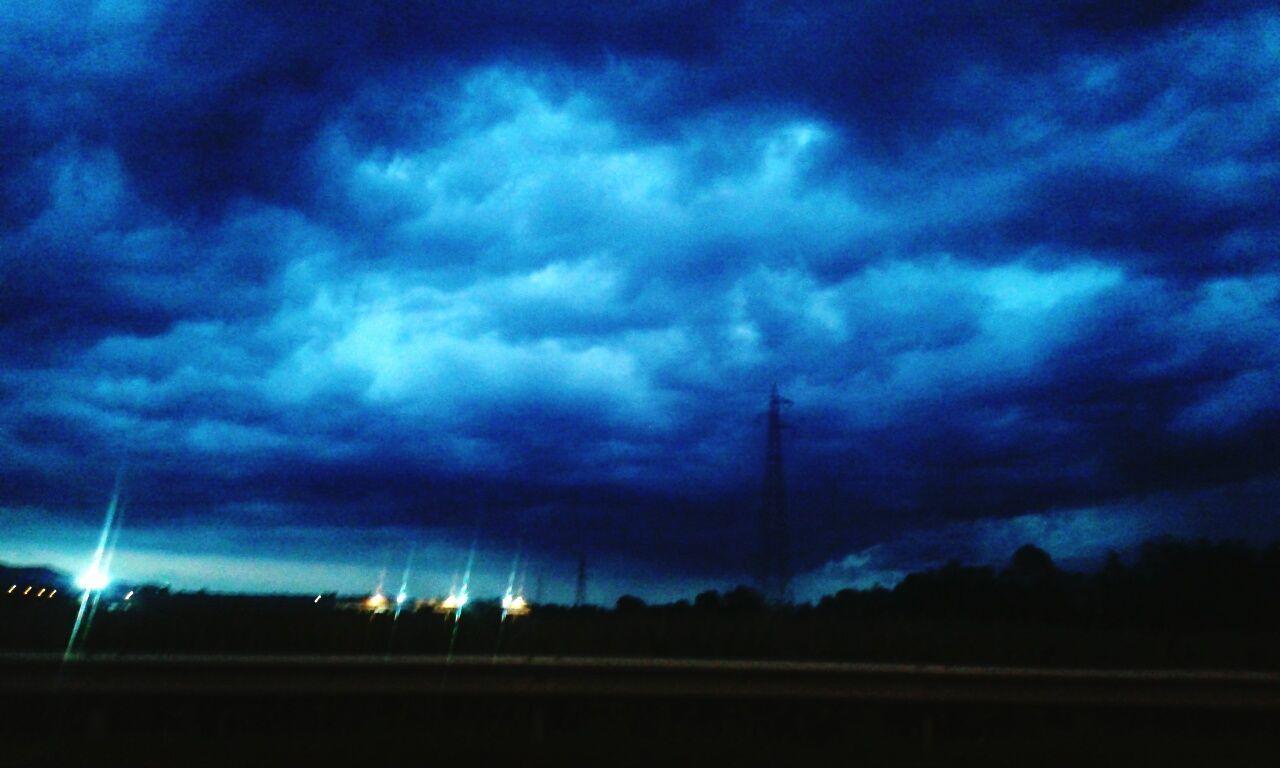 Beforetherain Sunset Pioggia Blu Blue Blue Sky Cielo Sky Cielo Blu Tempesta Tramonto Rain