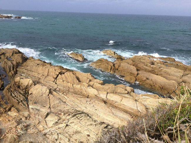 Rocks Waves Taking Pictures Capture The Moment Check This Out Horizon Over Water Blue Sky Rock Formation Awesome