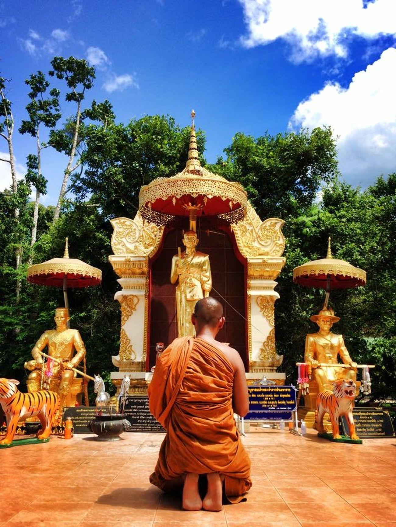 The power of faith. Iphonephotography Taking Photos Thailand_allshots IPhoneography Chiang Mai   Thailand Hello World Taking Photos EyeEm Best Shots Temple Thailand
