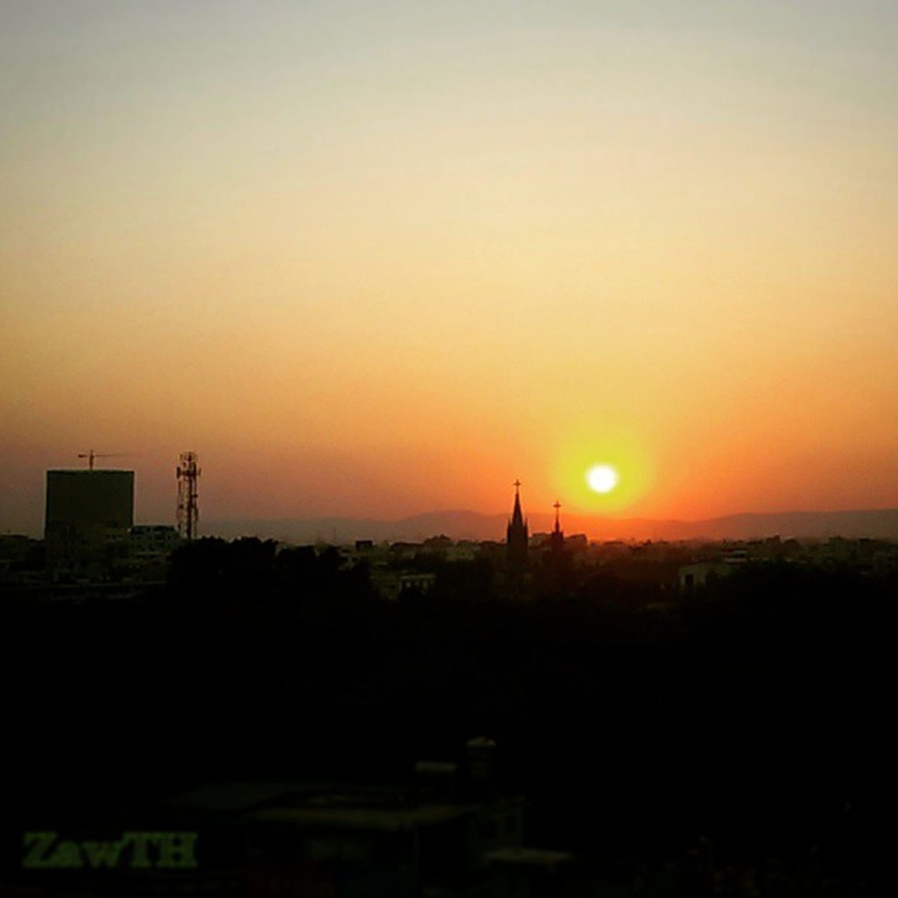 Urban Sunset. Mandalay Myanmar Myanmarphotos Goldenlandscape Goldenland Vscomyanmar Conpixel Cameraemfoco Collection_splash Bns_sky Bsnfamily Best_skyshots Best_Silhouette Amazingphotohunter Arte_of_nature Instalife_shot Igersmandalay Igs_asia Igersmyanmar Irrawaddy Ig_photo_life Bsn_sunset Sunset Summer Sky_captures skys_of_theworld skystalking stunning_shots galaxygrand2 zawth