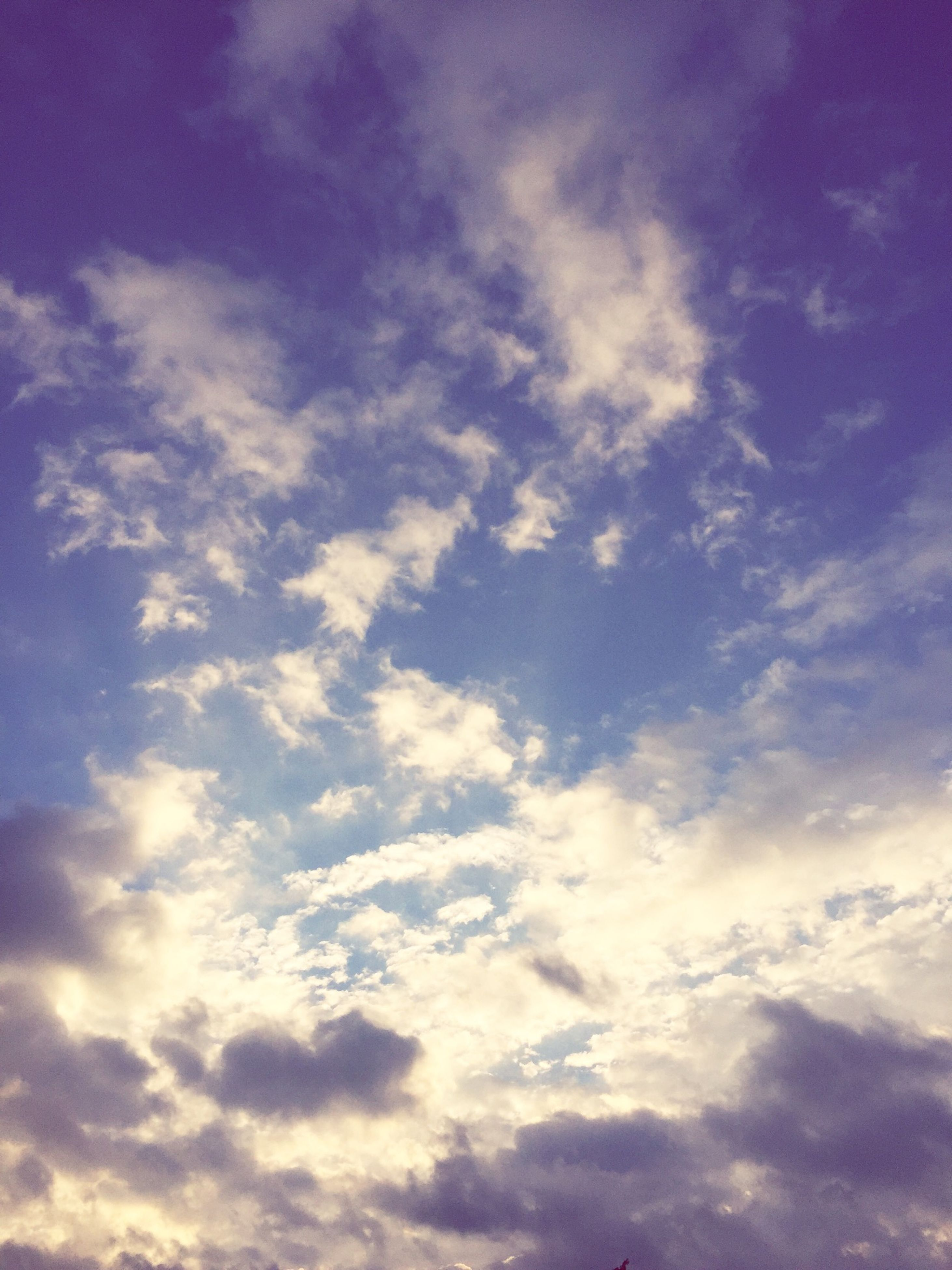 sky, cloud - sky, sky only, beauty in nature, tranquility, low angle view, scenics, tranquil scene, cloudscape, cloudy, nature, backgrounds, cloud, full frame, blue, idyllic, majestic, weather, outdoors, white color
