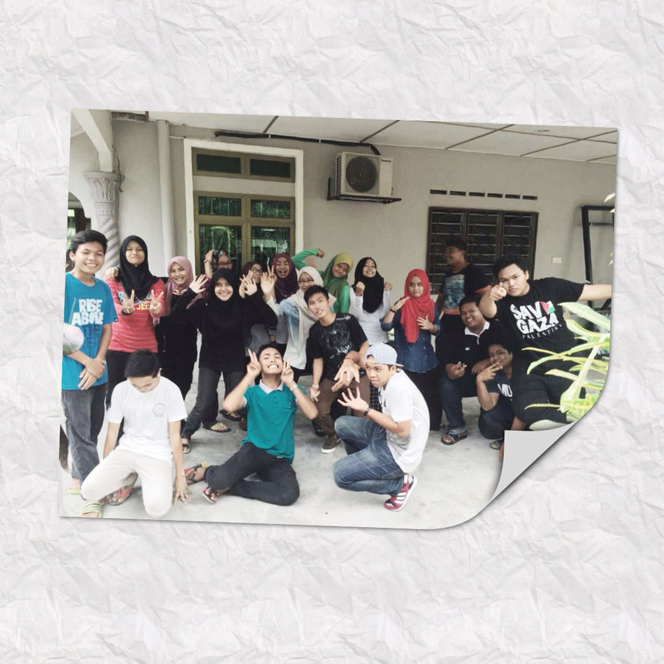 Mostly I love them . The best classmates I ever had since form1 . Maybe this is the last time or maybe not . But the important thing is remember of our lvly memories . So here meet ma sec familia !