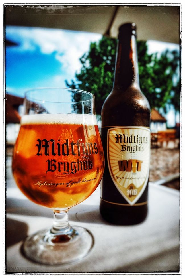 First day of summer - the weather is hot and the beer is cold. It's all good. Midtfynsbryghus Wit Beer KnudsensGaard ølergud Summertime Beer Denmark Fyn Odense Feel The Journey Colour Of Life