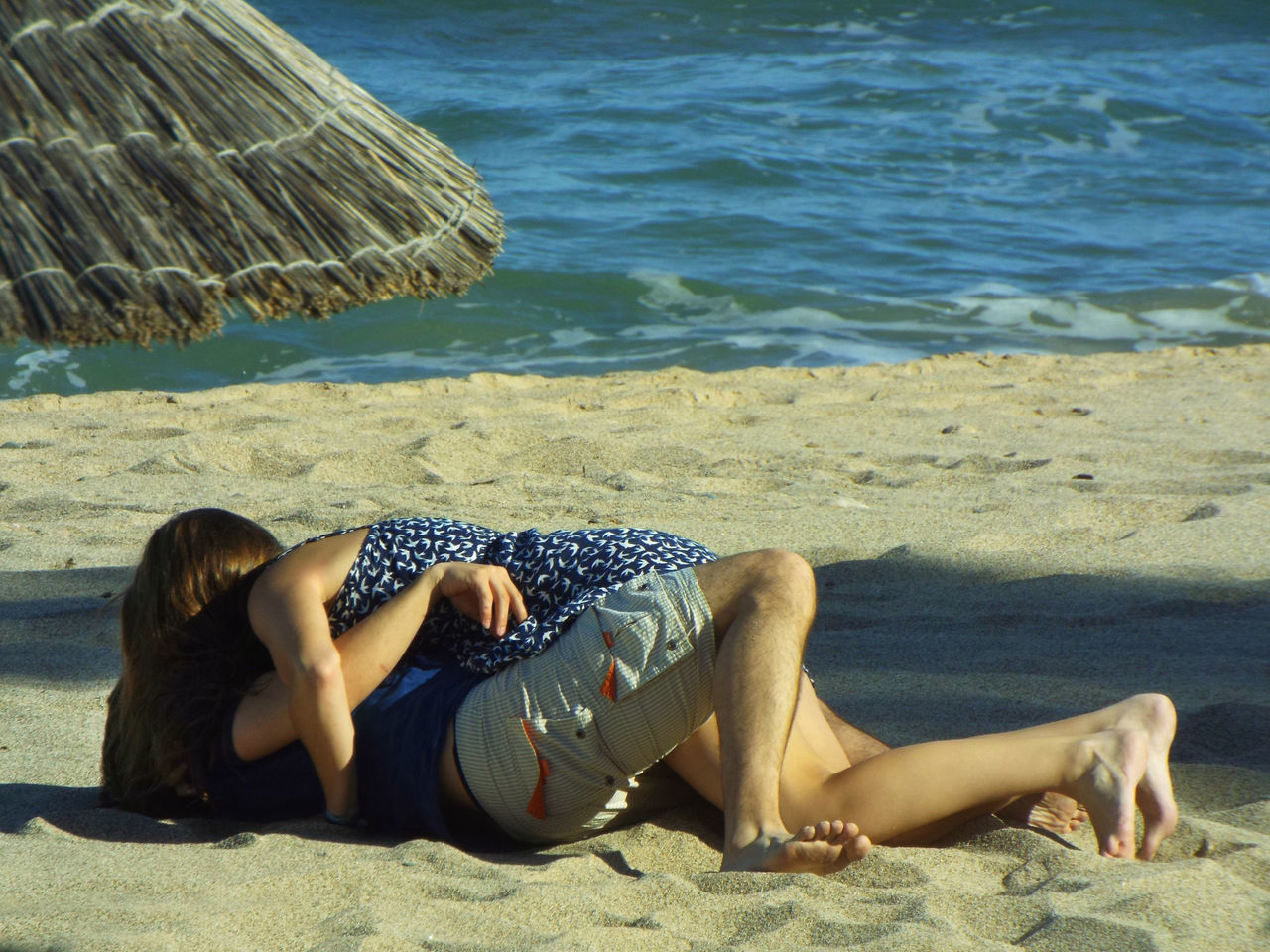 Barefoot Beach Casual Clothing Couple Day Enjoyment Leisure Activity Lifestyles Love ♥ Lying Down Nature Outdoors Relaxation Relaxing Resting Romp In The Sand Shore Sitting Summer Tourism Tranquility Vacations Water