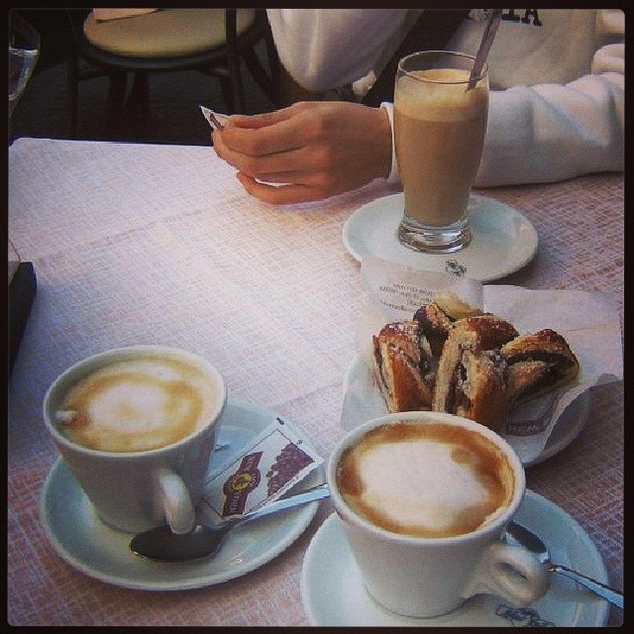 Una buena tarde en Pisa, con Marianete y Adri , Recuerdos Capuchino