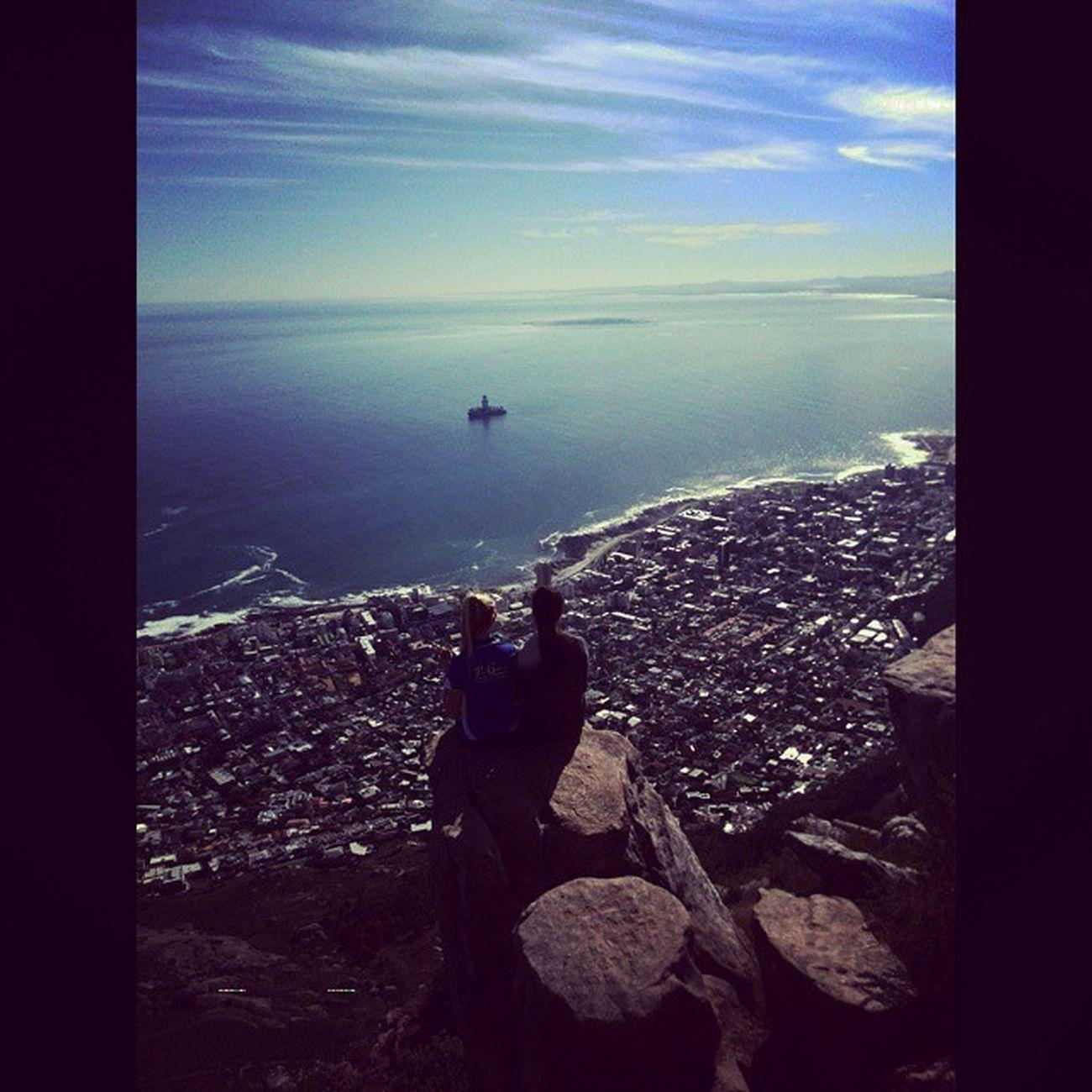 Daai keer toe ons daai berg geklim het ? Rekordtyd Leeukoppie Capetown Throwback tbt tamswalli fitness geboudes jokes Ididntdiethattime peanutbutterenjambroodjies fiksefannies thatview bestes