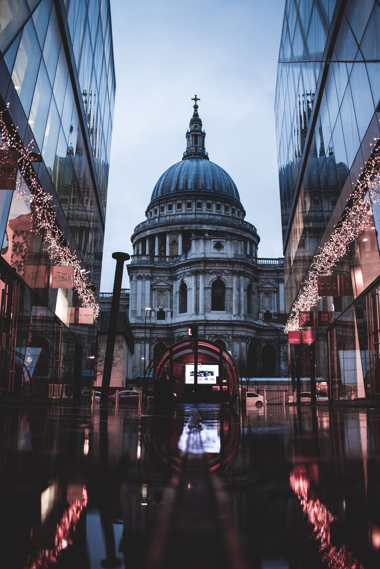Architecture Building Exterior Reflection Dome City Travel Destinations Stpauls Church London