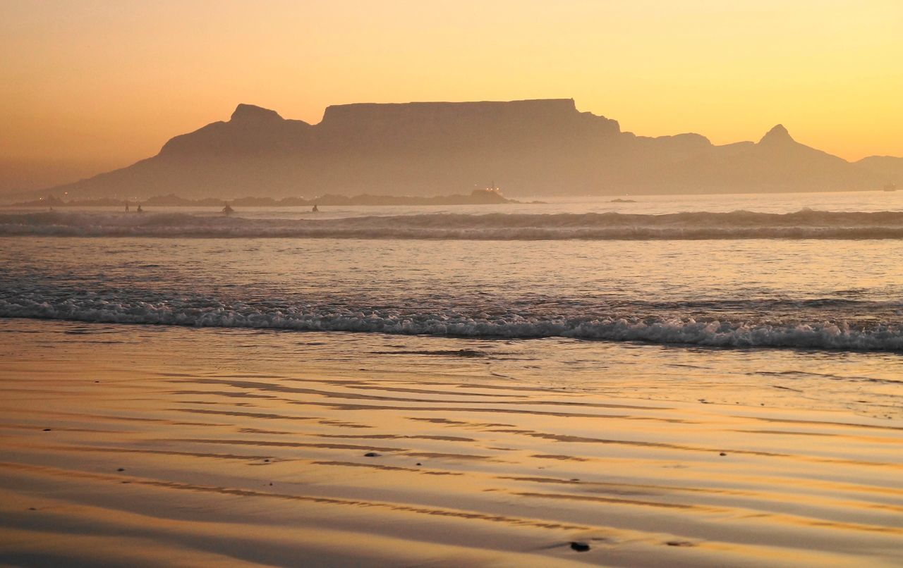 Beauty In Nature Blouberg Strand Cape Ttown Coastline Horizon Over Water Idyllic Majestic Mountain Nature Non-urban Scene Orange Color Outdoors Reflection Scenics Sea Shore Sun Sunset Sunset_collection Table Mountain Tranquil Scene Tranquility Travel Destinations Water Wave