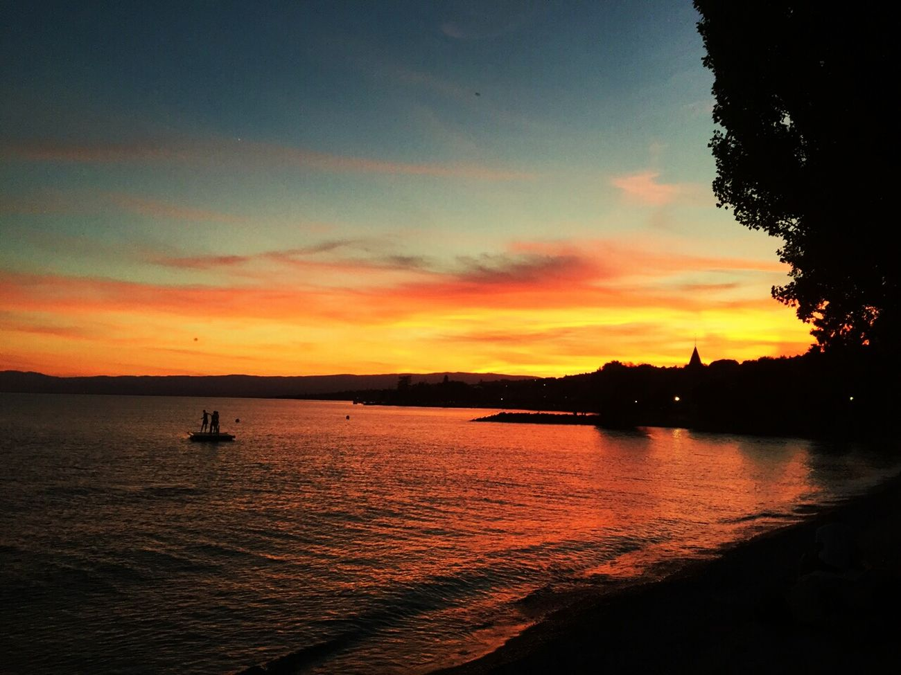Lutry Lausanne Sunset Swiss Lake Switzerland Chilling With Friends