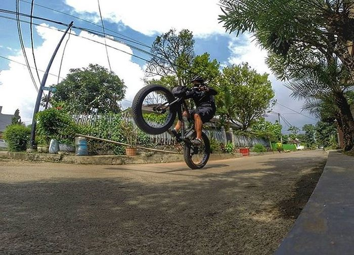 Wheelie Bike Bicycle Fatbike United Grind Fatbikeworld Val  2016 Polarbottle Eibag Gopro Gopro3plus Goproblackedition Goproeverything Gopro4life Gopro_moment Goprooftheday Gopromoment 😚