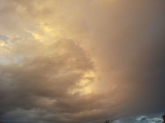 Sky After The Rain Mobilephotography Sanset Cloud - Sky Light And Shadow Minskcity  Everning