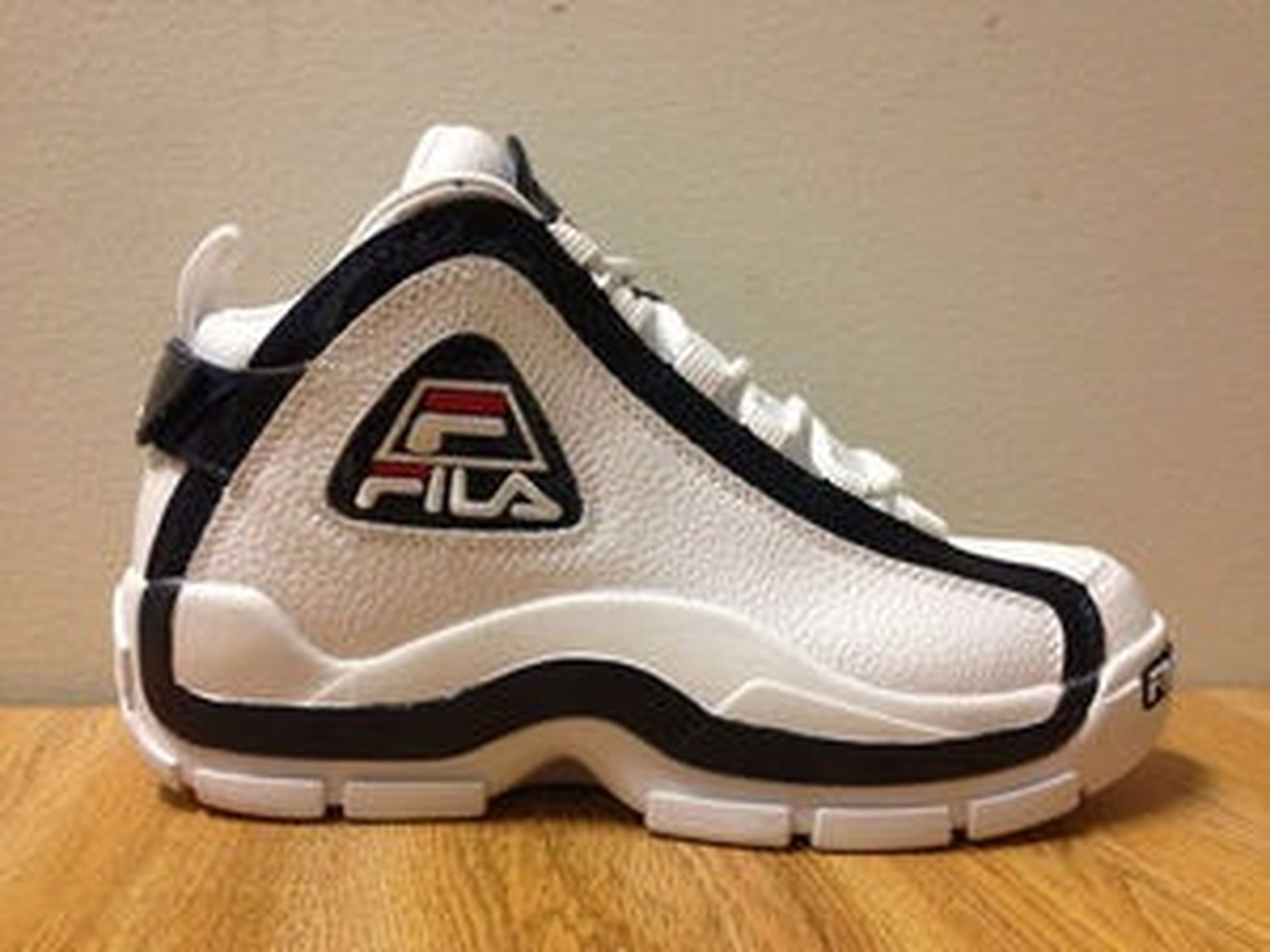SOLD OUT thanks to everyone for buying #fshoa #sneakerhead #wlu #sneakers #fila