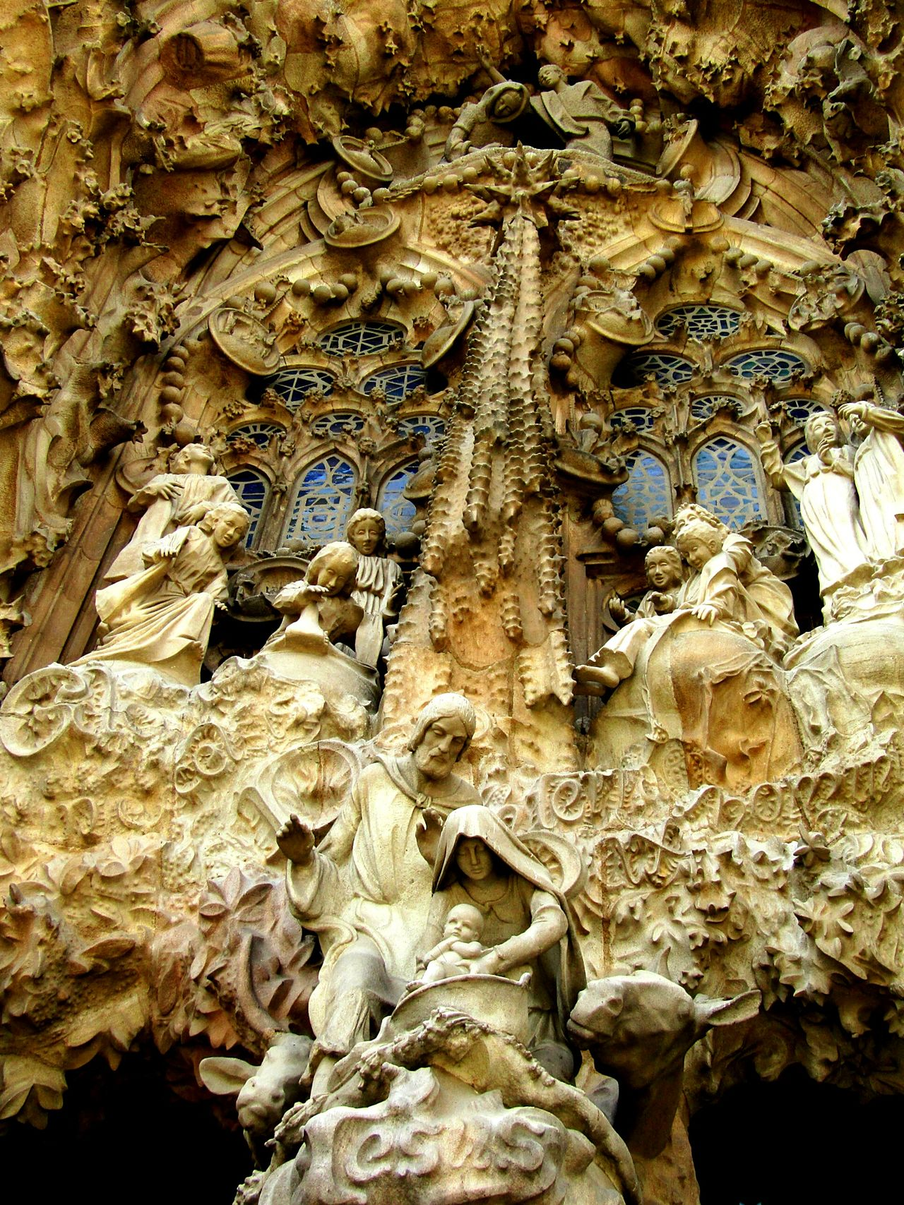 Check This Out Statue Monument Details Jesus From My Point Of View Barcelona Gaudi Sagradafamilia Sagradafamiliabarcelona Sagradafamiliachurch Eyeemcollection Eyeemphotography SagradadeFamilia Architecturephotography Buildingphotography Amazingview Beautifulbuilding Oldbuilding Todayphotography Writing On The Walls