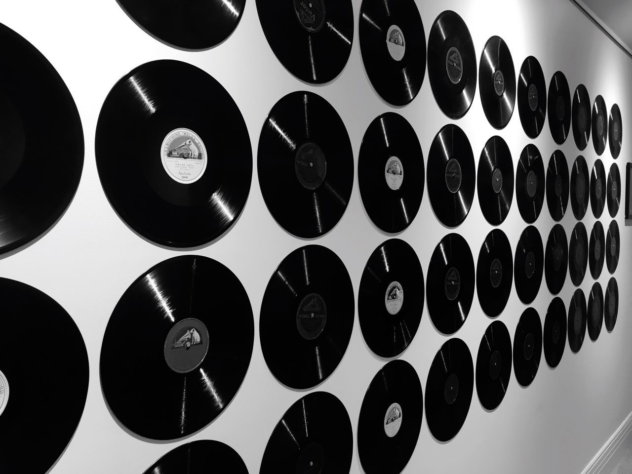 Record Vintage Indoors  Black Color Circle Abstract Pattern Display Lines Shapes Lines And Shapes Curves Monochrome Blackandwhite Wall ] Taking Pictures Taking Photos Records Black Eye4photography