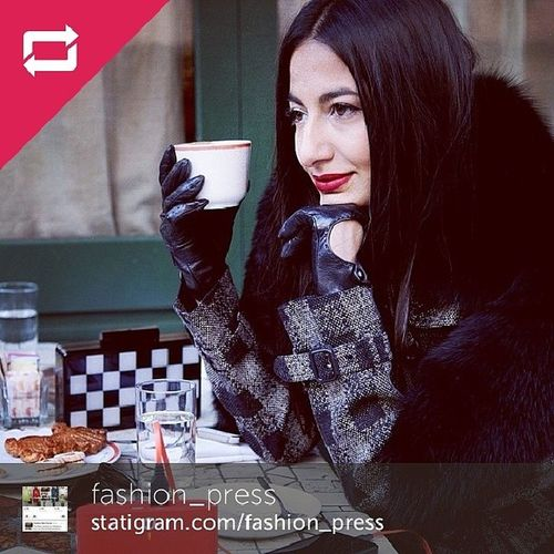 Regram from Mr @fashion_press in a beautiful snapshot of @nausheenshah at Westvillage with company of her Urania Gazelli Chessboard clutch FW'13 and cell phone charger @gotpuku Fwpress Teamfwp Teampuku gotpuku PukuRed PukuS8Charger @uraniagazelli clutch chessboard nyc nausheenshah burberry