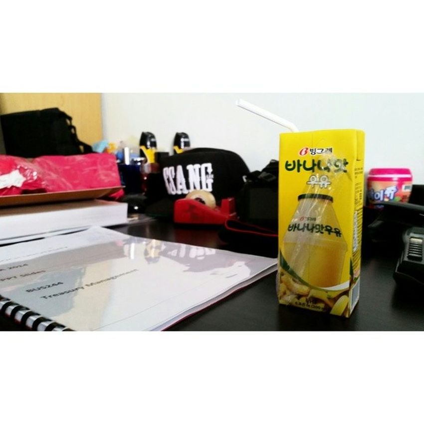 Whilst studying let's have banana milk lol. 빙그레 바나나맛우유 ,