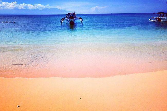 Pinkbeach Lombok NTB NusaTenggaraBarat  Wonderfulindonesia Visitindonesia Holiday Trip Girlsdayout Boat Sand Beach Sea