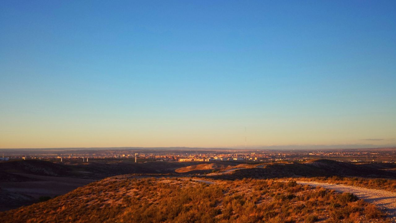 Estepa Zaragoza a mis pies Sunset Blue Wave