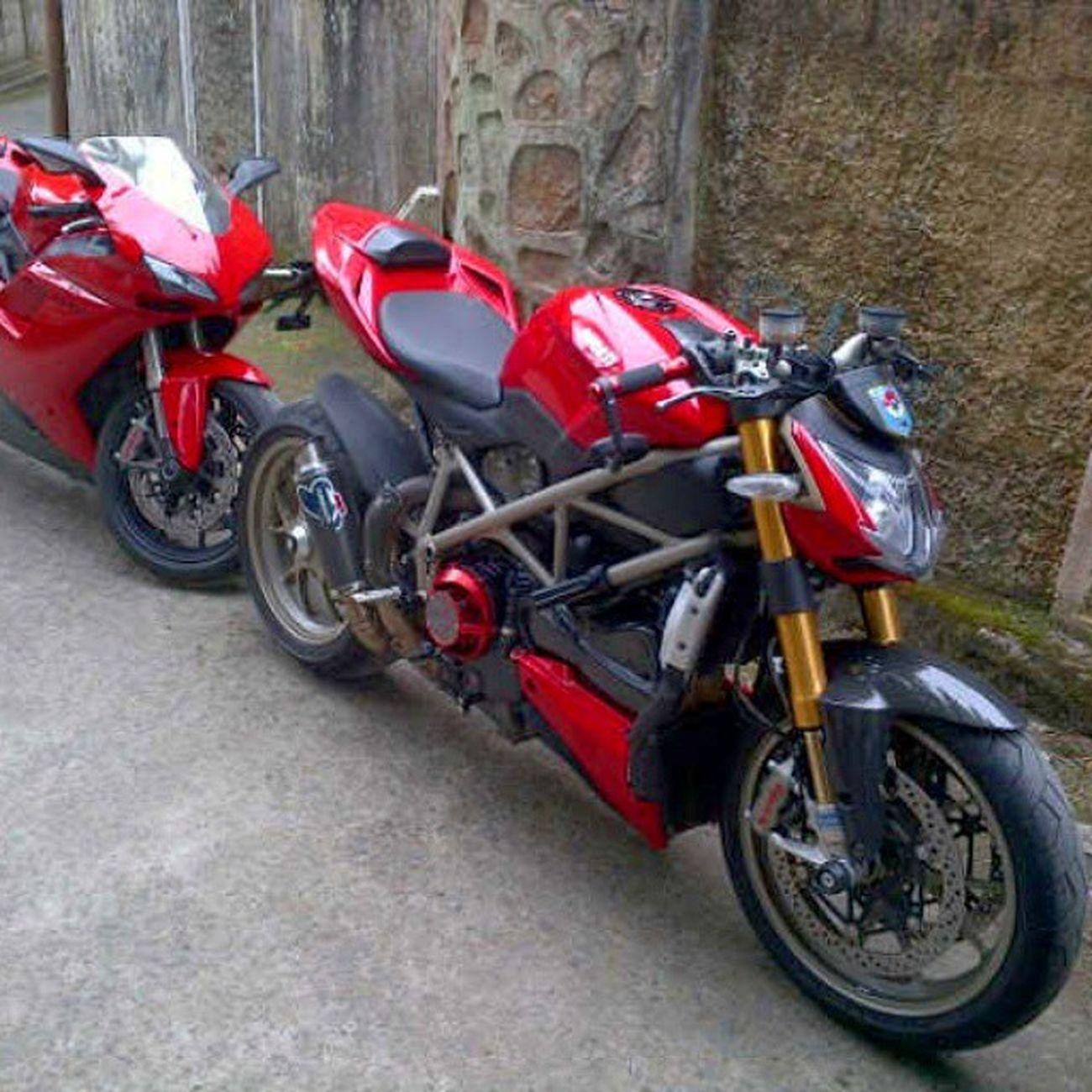 Latepost. Ducati Ducatiindonesia Ducatistreetfighter 1098 Ducati848 Ducatisofinstagram Italia Brembo  Pirelli Ohlins Termignoni Rizoma Dryclutch Red Cucoeym