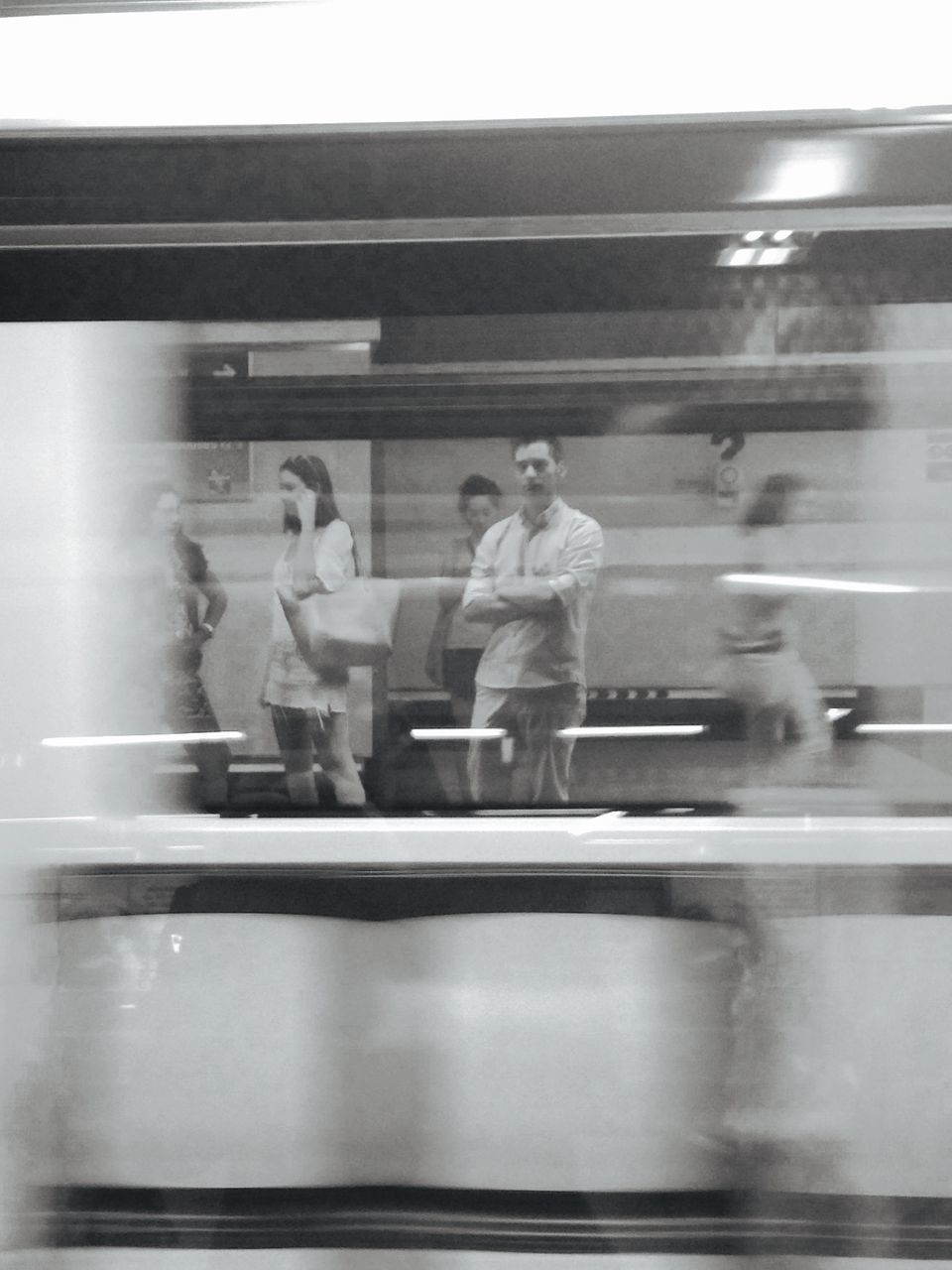 blurred motion, real people, speed, indoors, businessman, men, group of people, motion, business, full length, women, day, young adult, people