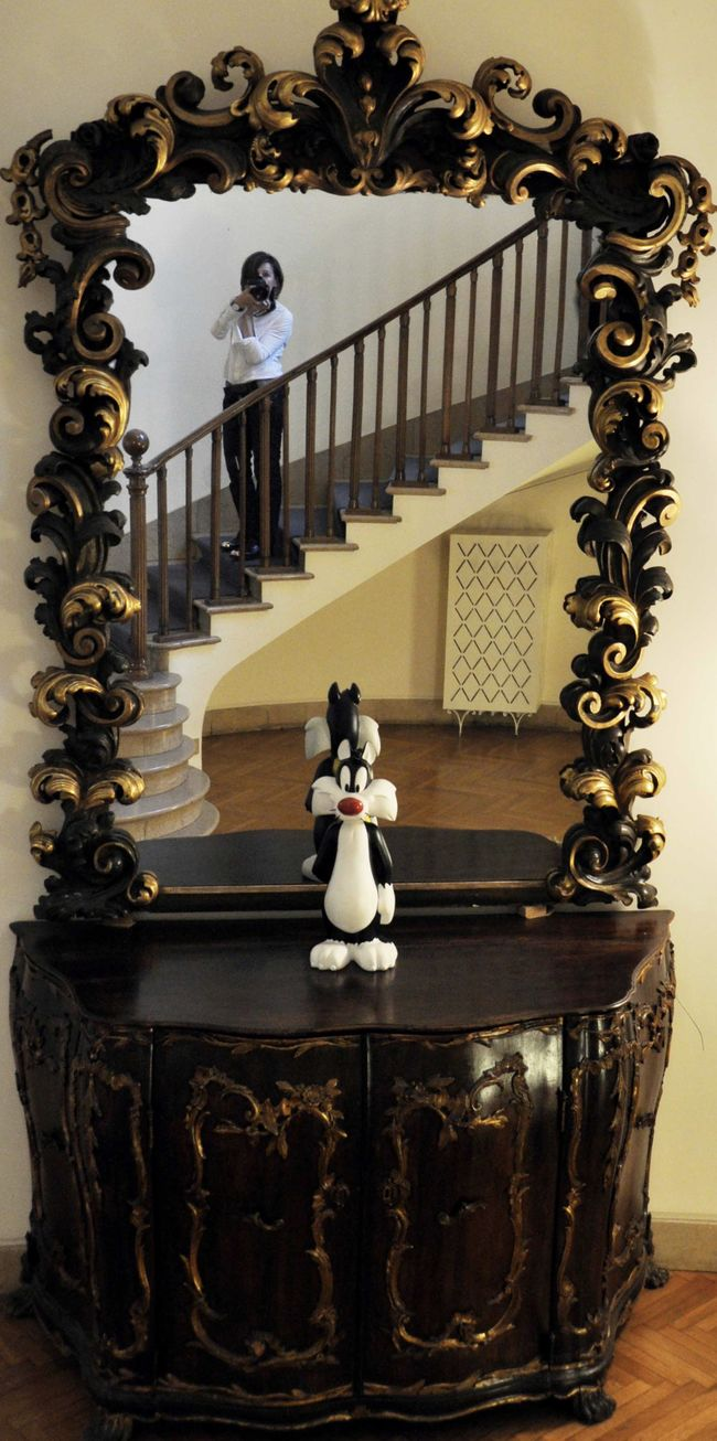 Contradiction Decoration Different Styles Interior Style Mirror Reflection Mirrored Selfie Sylvester TakeoverContrast