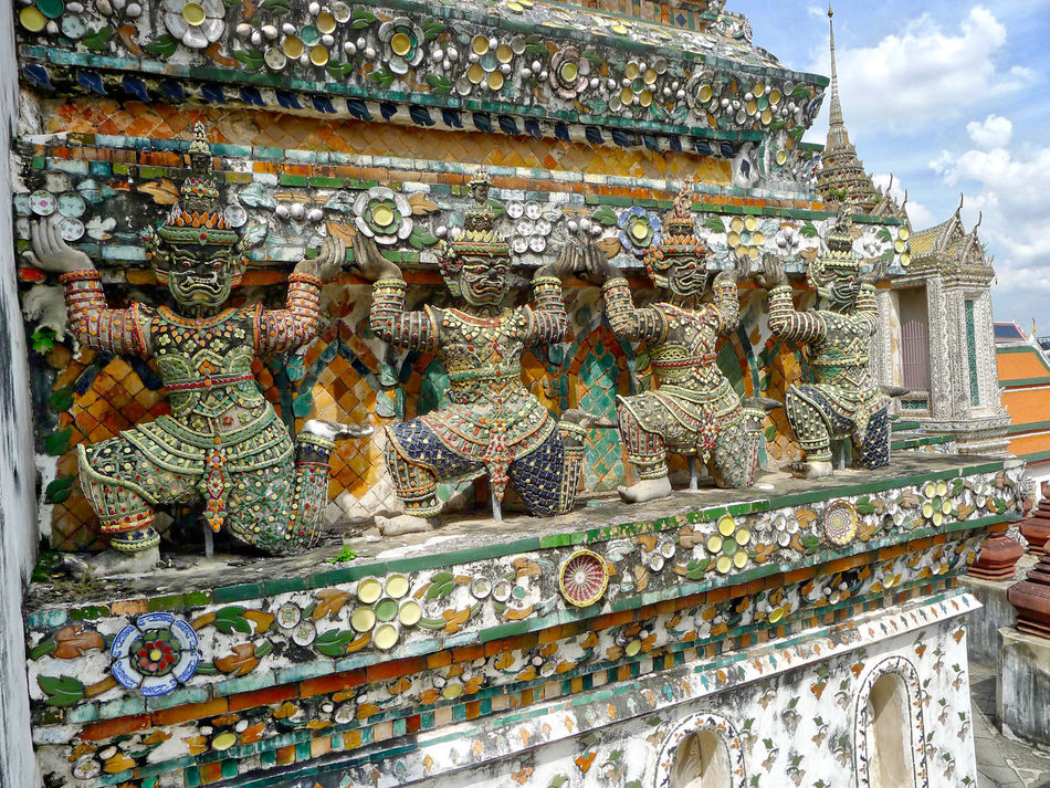 Architecture Art And Craft Building Exterior Built Structure Day Human Representation Low Angle View Male Likeness No People Outdoors Place Of Worship Religion Sculpture Spirituality Statue Travel Destinations Wat Arun