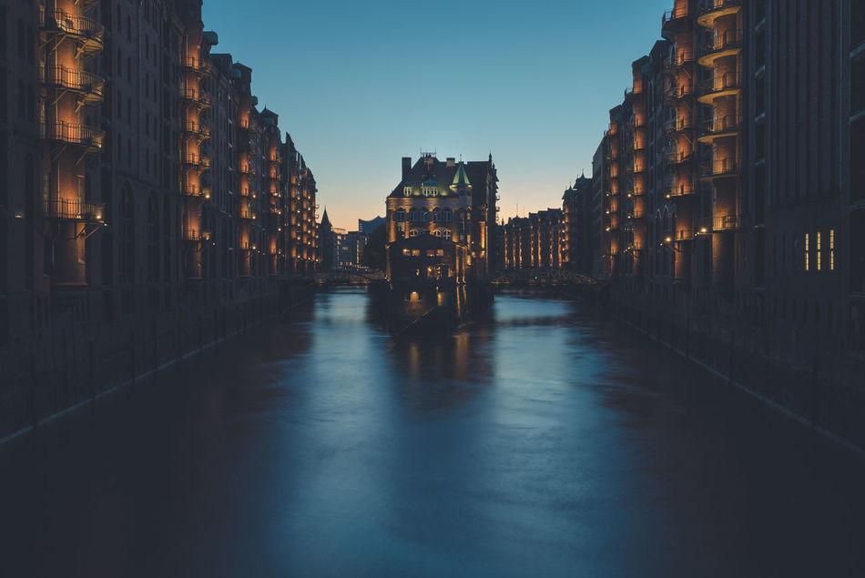 Wasserschloß in der Hamburger Speicherstadt Architecture Blue Hour Hamburg Sony A7s Speicherstadt Urban Wasserschloss Zeiss Zeiss FE 16-35mm F/4