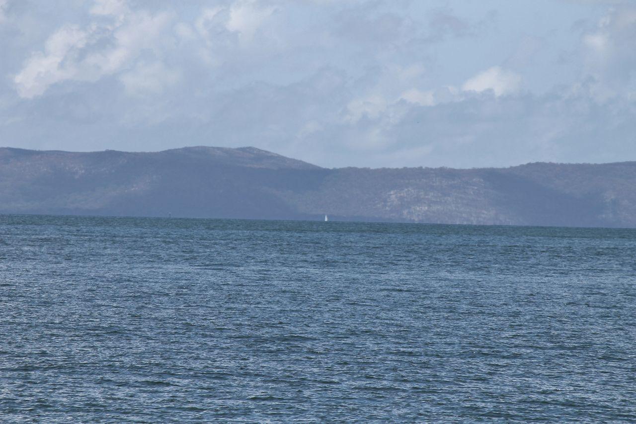 Australia Big Island Love Big Tanker Calm Sea Island Holiday Morton Island Sea Clouds Land Wow Look At This