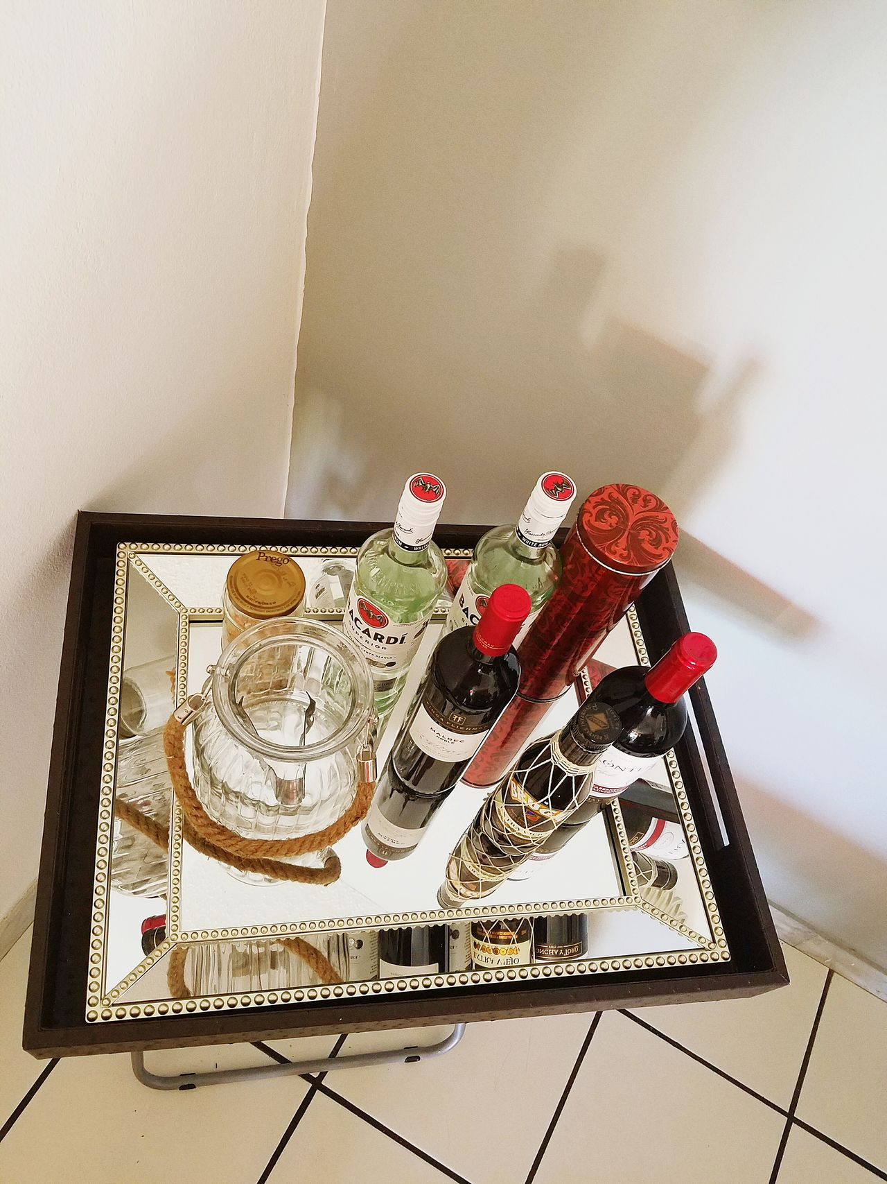 Open Edit Lieblingsteil Perspective Light And Shadow Decoration Details Low Angle View Popular Photo Bottles Of Wine Pattern, Texture, Shape And Form Bar Fine Art Photography Still Life Reflections Lines And Angles Mirrored Reflection