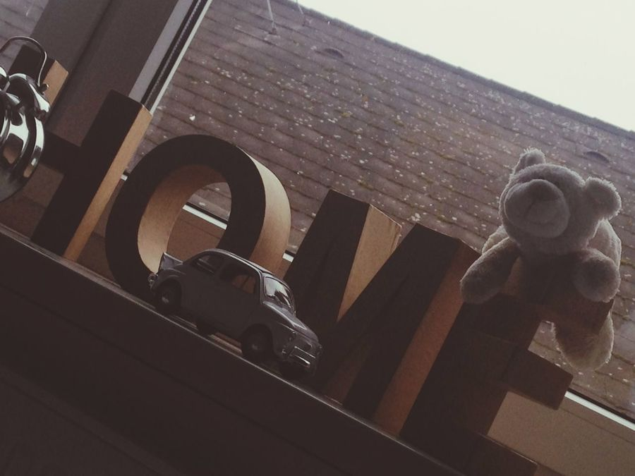 Home Sweet Home Window Teddy Clock Modellauto Car Hello World Taking Photos Fad Lazy Day h.o.m.e
