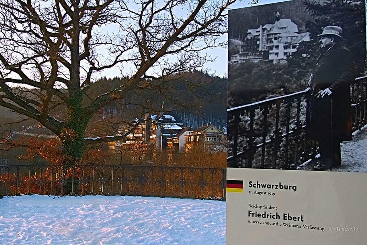 ...an historischer Stelle ,Schwarzburg Heikobo Schwarzburg Friedrichebert Thuringen Verfassung Weimarerrepublik Historische Plätze Historisch
