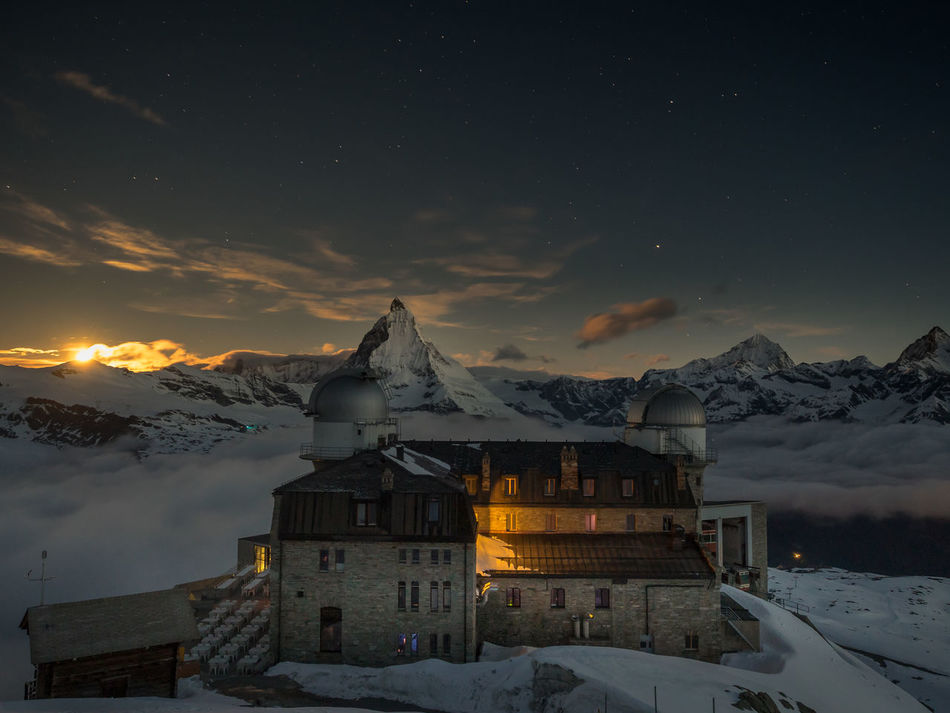 Berge Gornergrat Hotel Matter Moon Moonset Mountain Mountain Hotel Night Nightphotography No People Outdoors Peak Snow Switzerland Wallis Winter Zermatt matterhorn