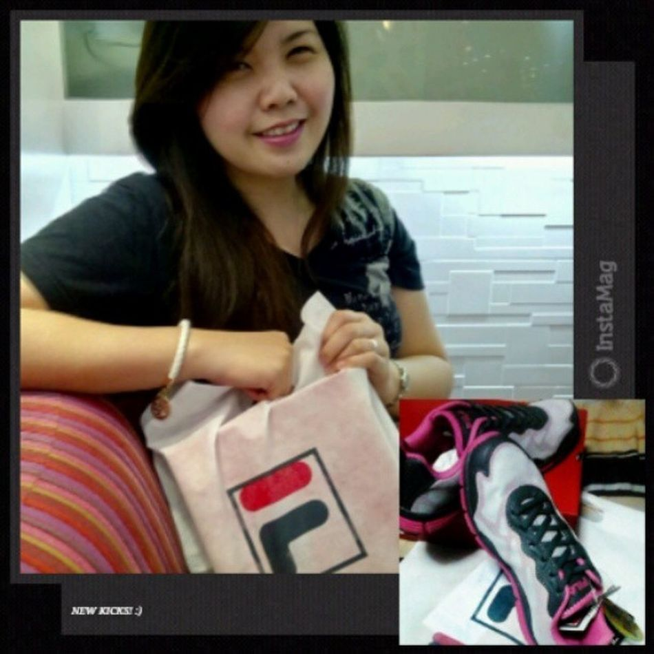 Happygal for this Newkicks !! :)) Fila Kapamilya60years onerun funrun qc circle igers pink pinkfever instamag instapic photooftheday
