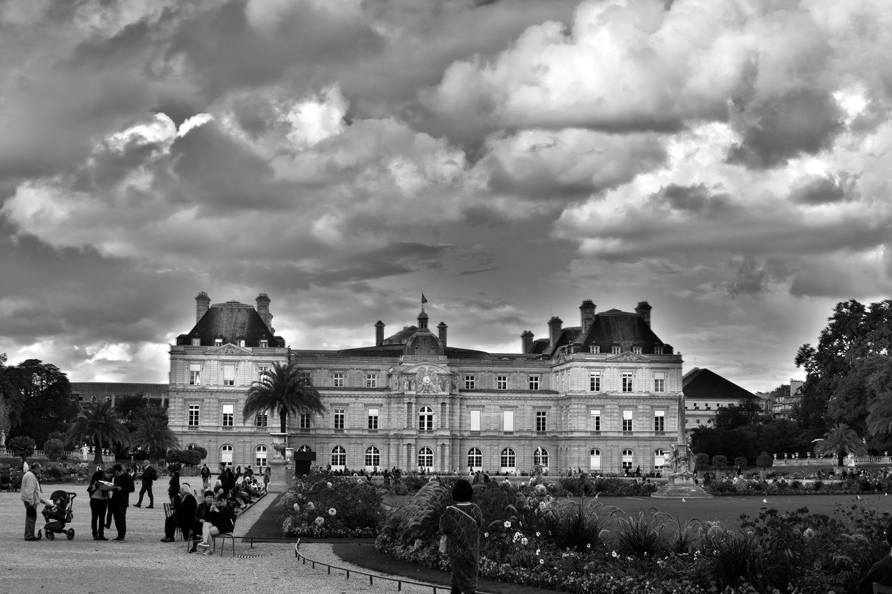 French Sénat, Jardin du Luxembourg Architecture Blackandwhite Building Exterior Built Structure Check This Out City Life Eye For Photography Eye4photography  EyeEm Best Shots EyeEm Best Shots - Black + White EyeEm Gallery EyeEmBestPics Eyeemphotography Façade Famous Place Hello World History In Front Of Large Group Of People Outdoors Sky Sénat Tourism Town Square Travel Destinations
