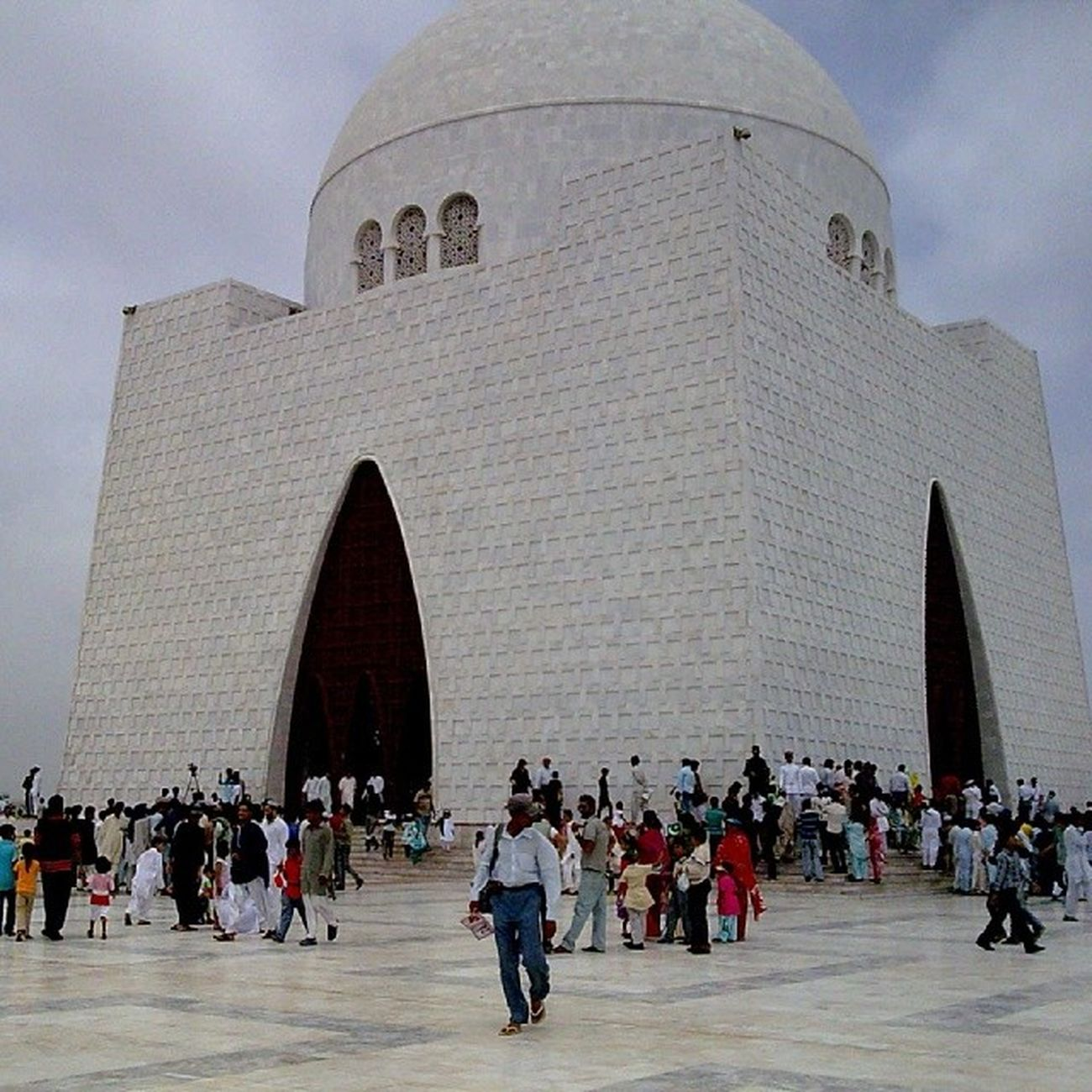 Quaid -e-azam'sTomb At 14 augsnaptakenfewyearsback