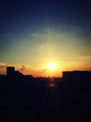 sunset in Singapore by eXindefinable