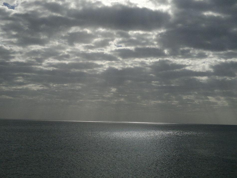 Beauty In Nature Canary Islands Cloud Cloud - Sky Cloudy Fuerteventura Gewitterwolken Horizon Over Water Meer Nature Regenwolken Scenics Sea Sky Water Waterfront Weather